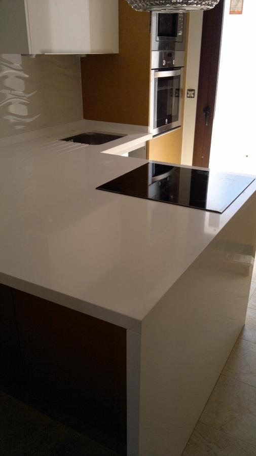 Foto encimera de silestone blanco zeus de m rmoles y granitos antonio martin 2007 s l 246119 - Encimeras cruz ...
