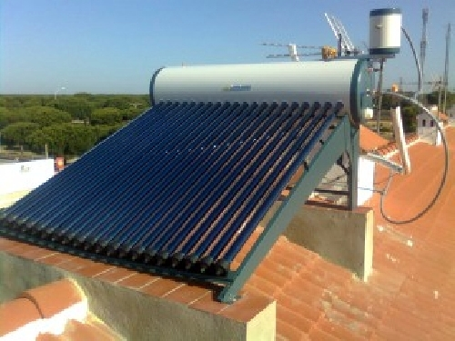 Foto energ a solar por tubos de vac o de jose maria reyes - Energia solar tenerife ...