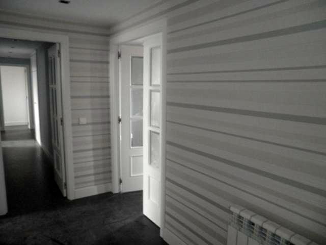 Foto entrada decorada con papel pintado de luxury - Colocacion de papel pintado ...
