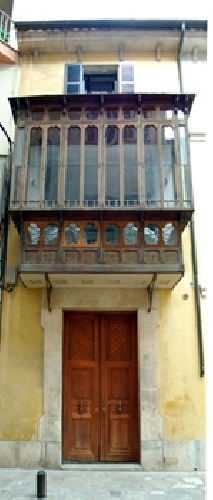entrada pel carrer Hostals, 59