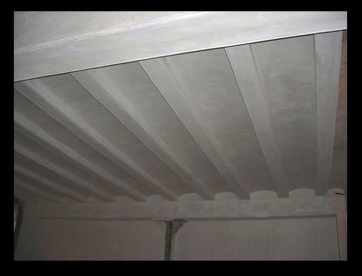 Foto enyesado de techos con vigas de enguixats garcia - Vigas para techo ...