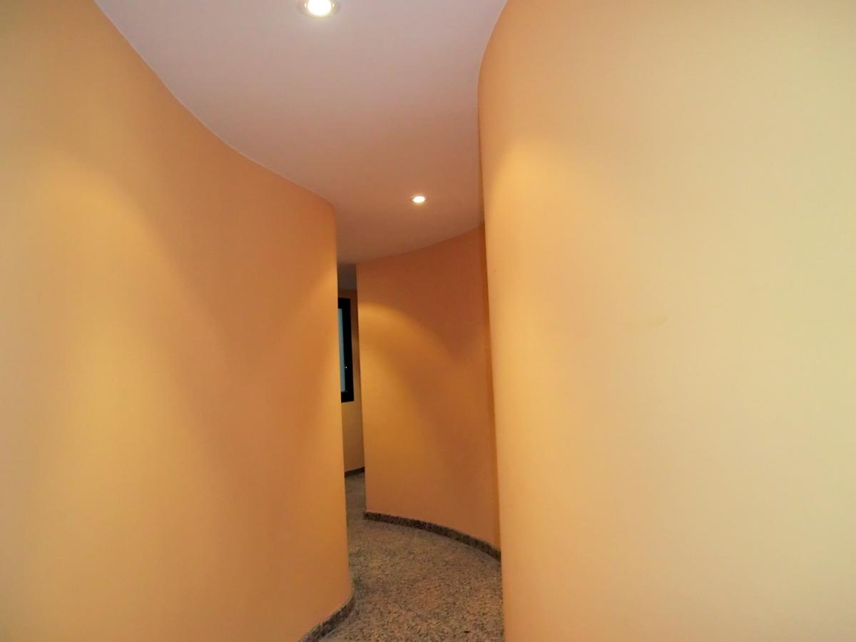 Foto enyesar entrada de bloque de pisos de enguixats i - Entradas de pisos ...