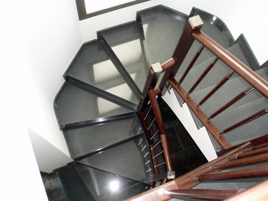 Foto escalera compensada de conves 415108 habitissimo - Fotos en escaleras ...