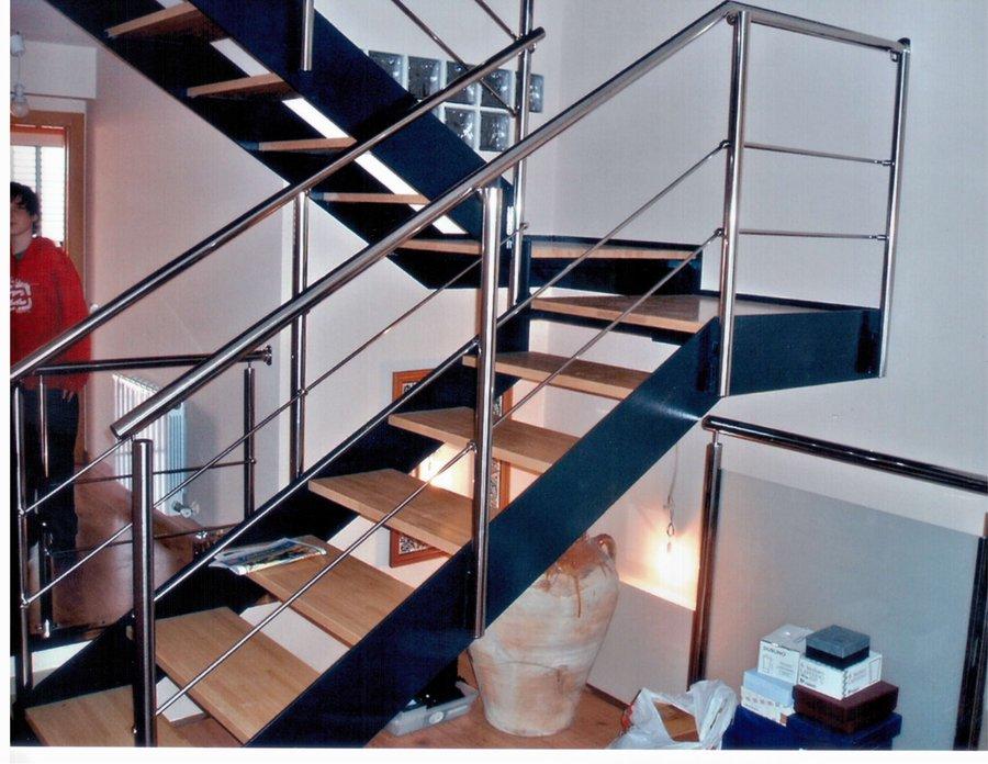 Foto escalera de hierro y madera con barandilla inox de aryston 427585 habitissimo - Barandillas de hierro ...