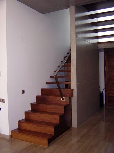Escalera de vivienda en Alberic