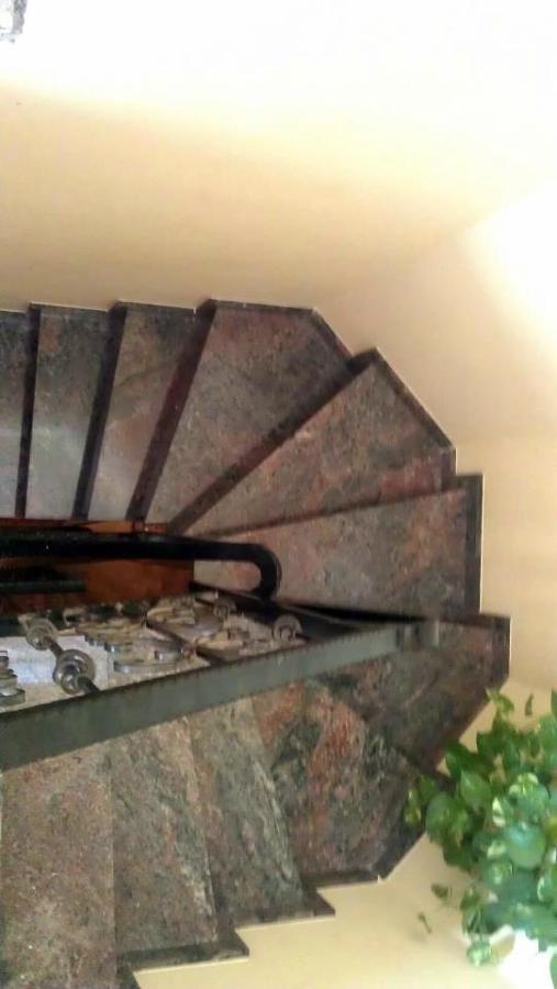 Escalera Granito