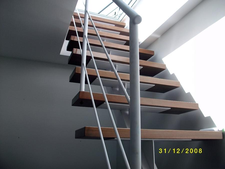 escalera metlica y madera para acceso a cubierta