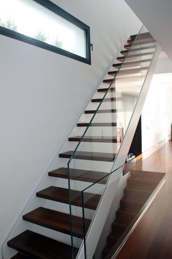 Foto escalera met lica de e2r arquitectura s l 328375 for Escalera metalica en l