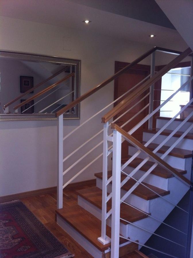 Foto escalera mixta hierro e madera de antonino villano - Escalera hierro y madera ...