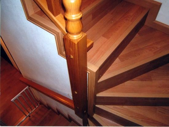 Foto escalera parquet de jumipuertas s l 298289 for Escaleras de parquet