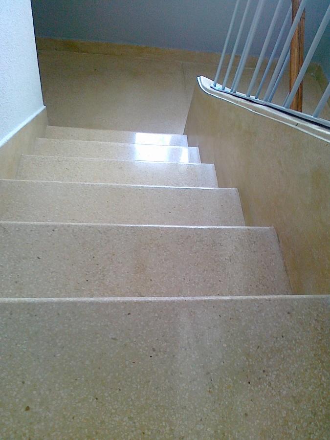 Foto escalera piedra artificial de pulimentos oter - Piedra artificial madrid ...