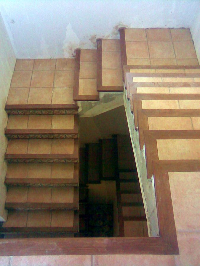 Foto escalera r stica de obraestil 302242 habitissimo for Fotos de escaleras rusticas