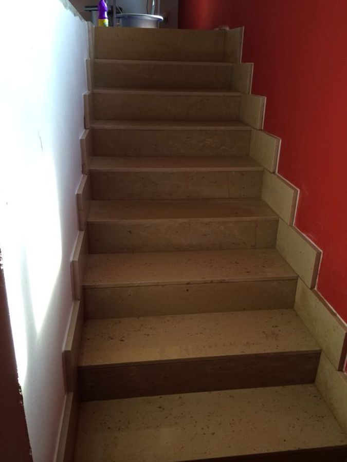 escalera sin vuelo de marmol