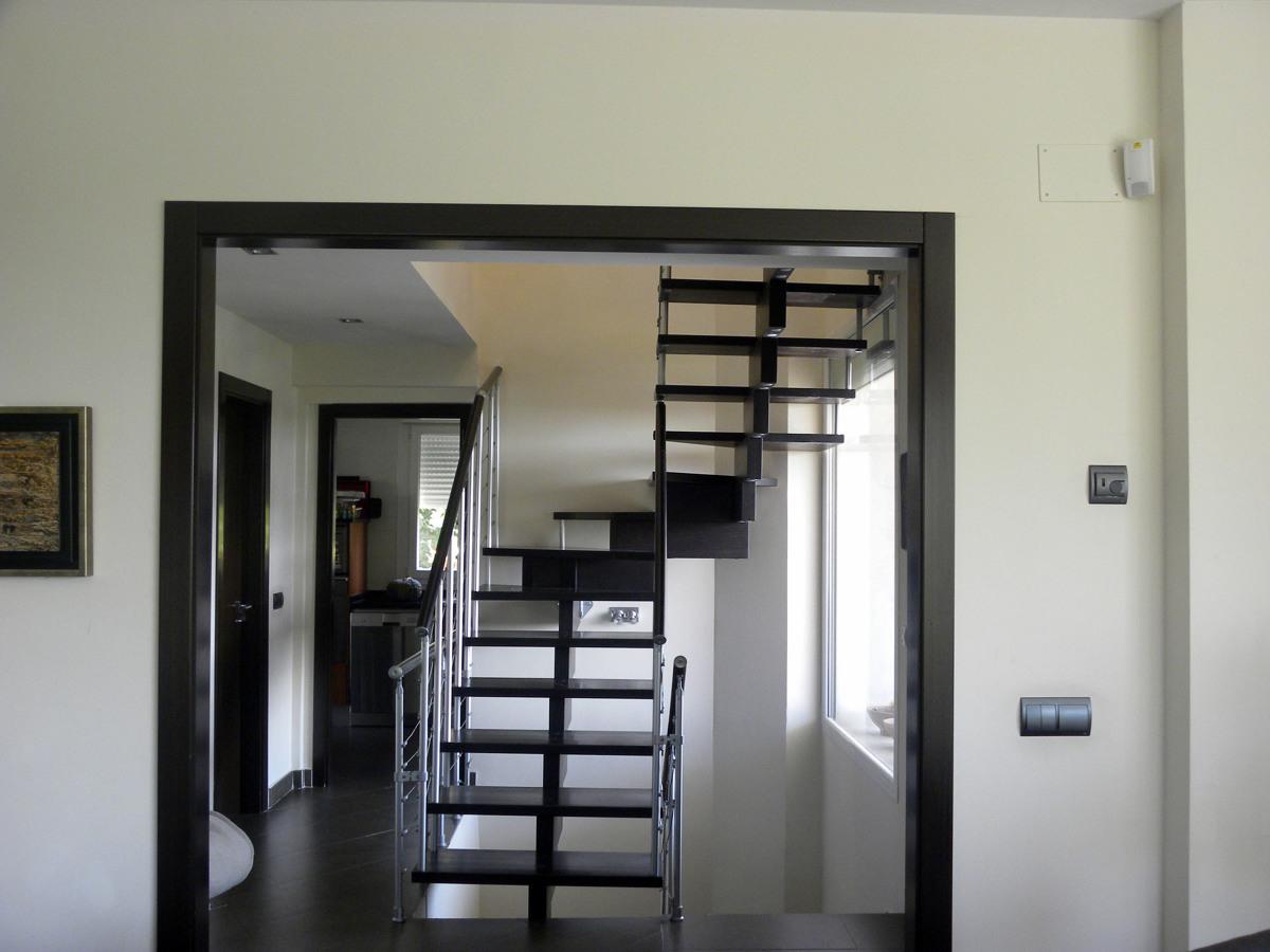 Foto escalera volada de investigaci n constructiva s l - Escaleras voladas de madera ...