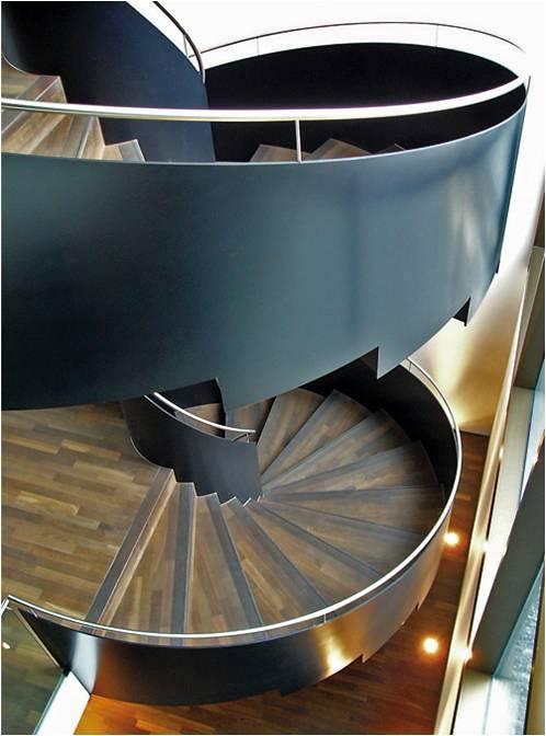 Escalera y Parque