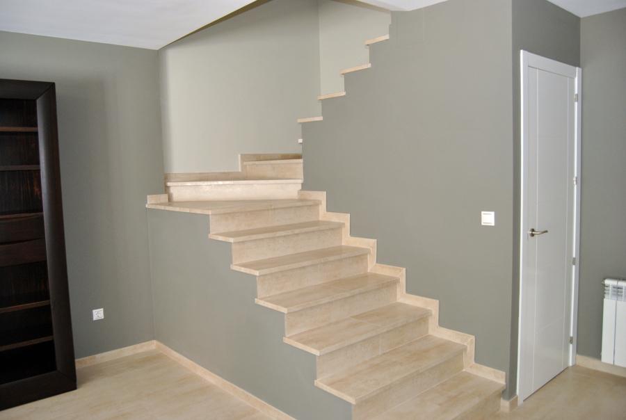 Foto escalera de reformas rolsan 468603 habitissimo - Reformas de escaleras ...