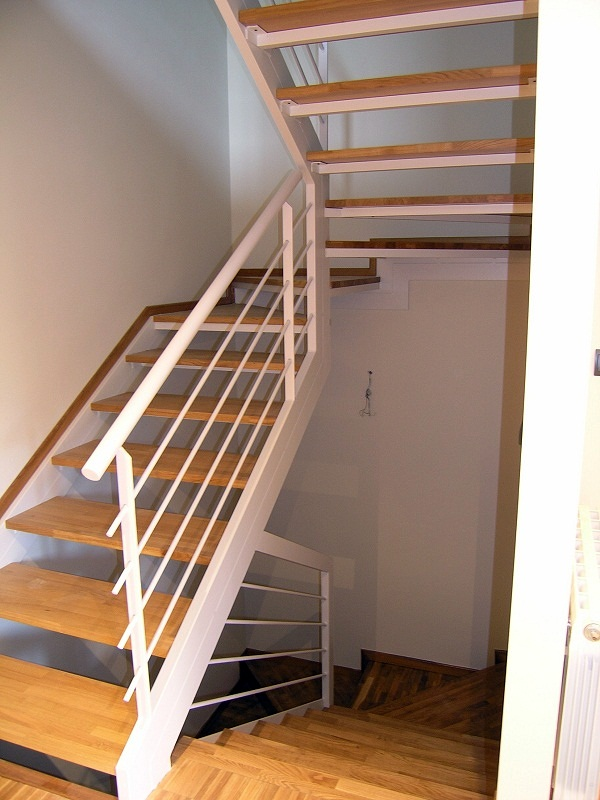 Escaleras acero y madera