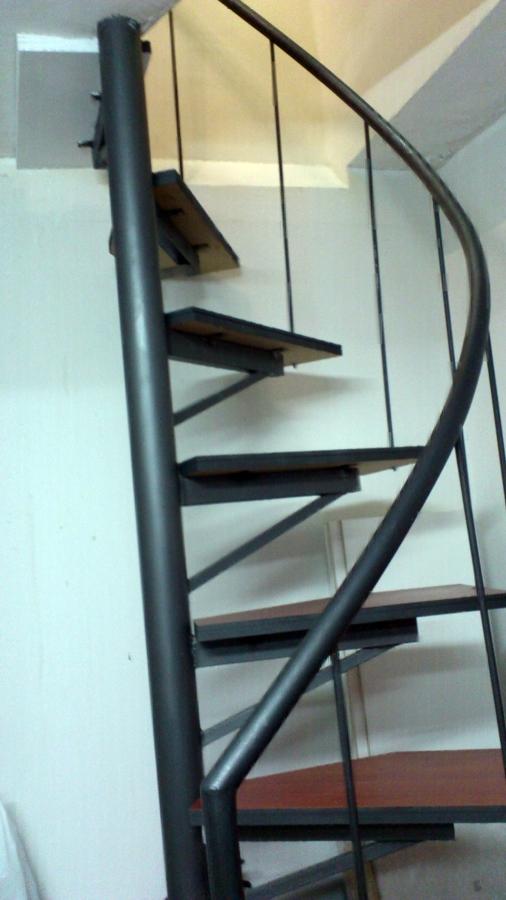 Foto escaleras de caracol a medida de manitas de toledo for Escalera caracol medidas