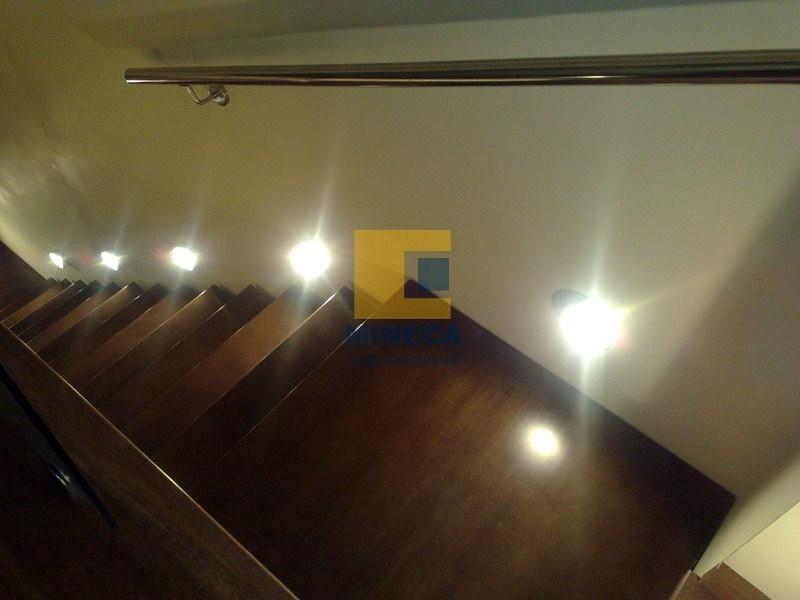 escaleras en madera y acero inox