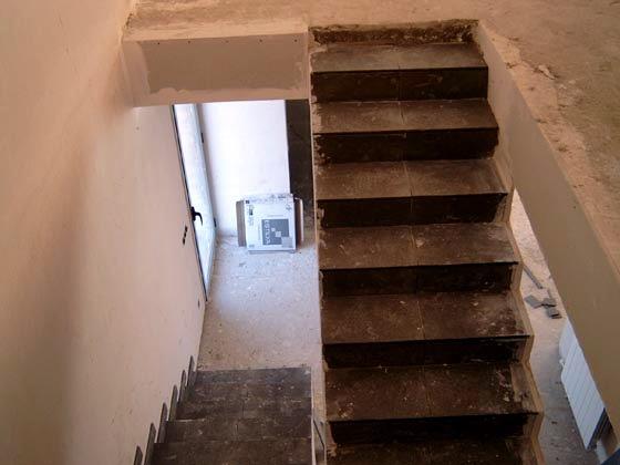 Foto escaleras interiores de arteka group arquitectura ingenieria y servicios 389387 - Construccion escaleras interiores ...