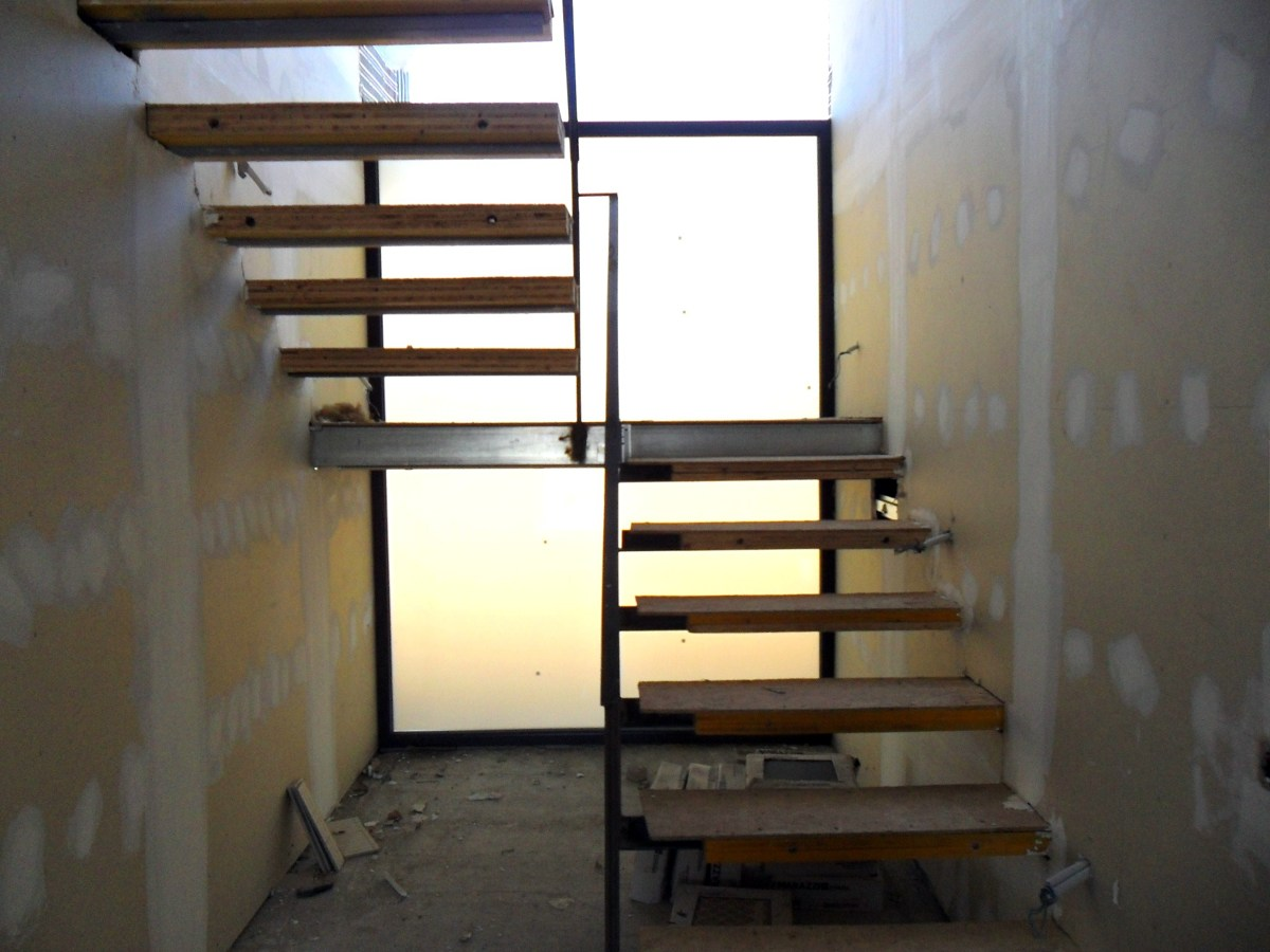 Escaleras modernas car interior design for Diseno de escaleras interiores