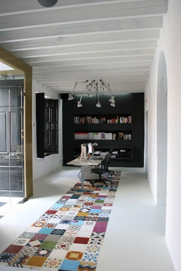 Foto espacio de trabajo oficina de interiorismo for Oficina de empleo de segovia