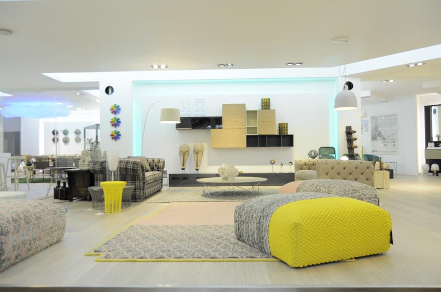 Foto espacio expositivo de vanguardia de nuestro showroom - Comercial del mueble ...