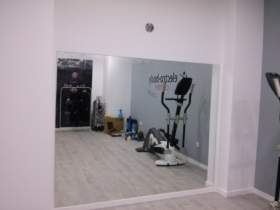 Foto espejos para gimnasio de cristaleria luis 921213 habitissimo - Espejos para gimnasios ...