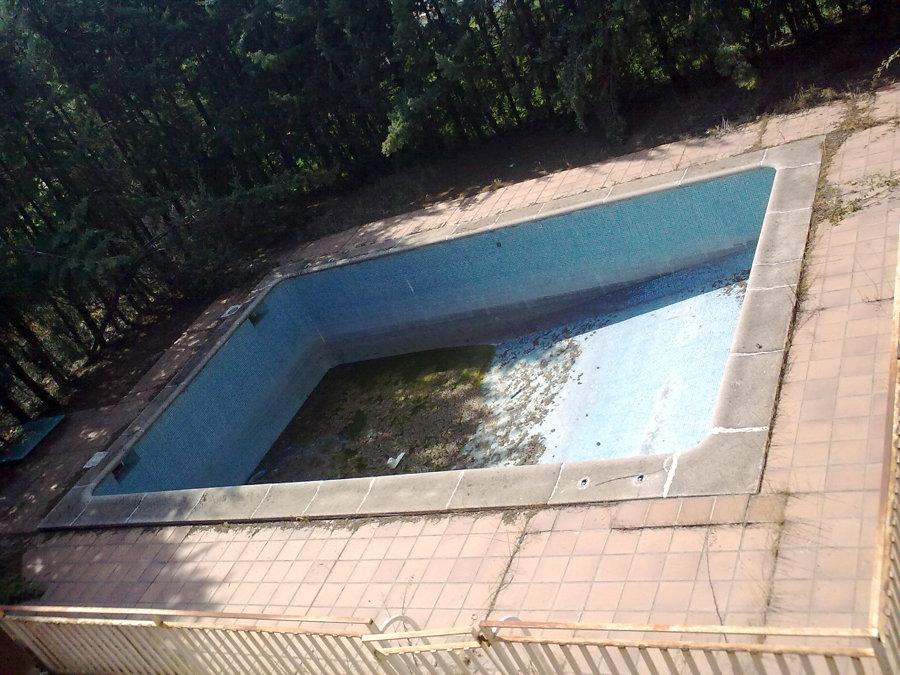 esrado de piscina al comenzar la obra.
