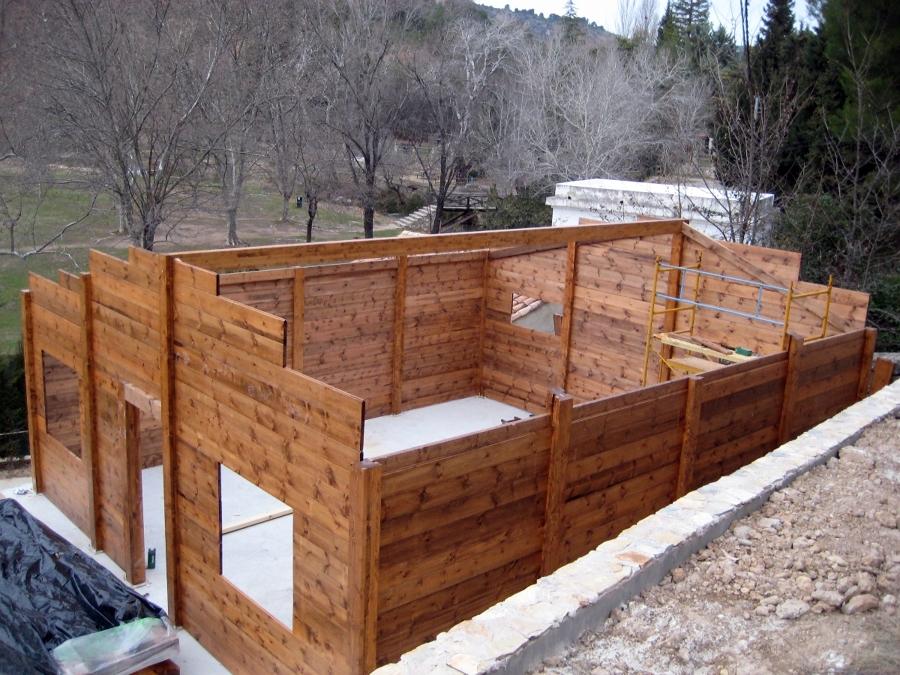 Foto estructura de casa de madera de dsg montajes 294190 for Estructura casa de madera