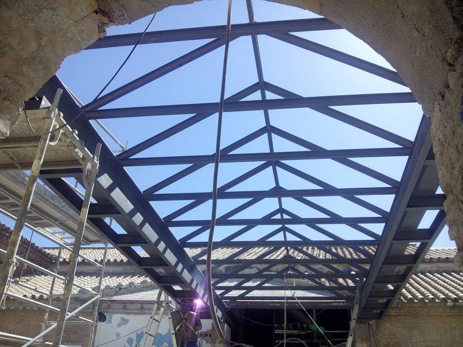 Foto estructura met lica para cubierta de estudio de arquitectura e ingenier a dce 677995 - Estructura metalica cubierta ...