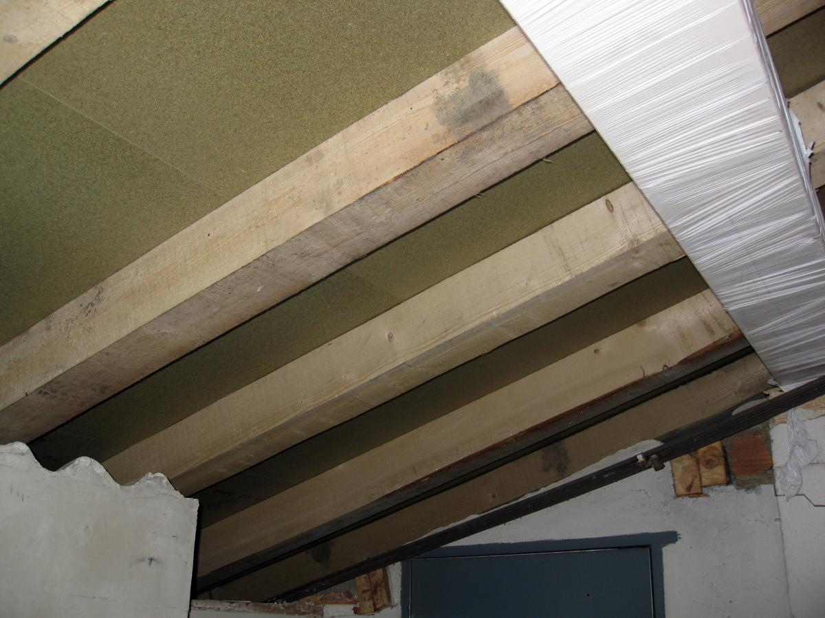 Foto estructuras de madera para cubiertas y tejados de for Tejados de madera barcelona