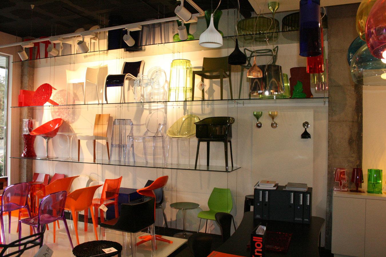Foto exposici n de sillas de estudio 5s 177599 habitissimo for Sillas de estudio zaragoza