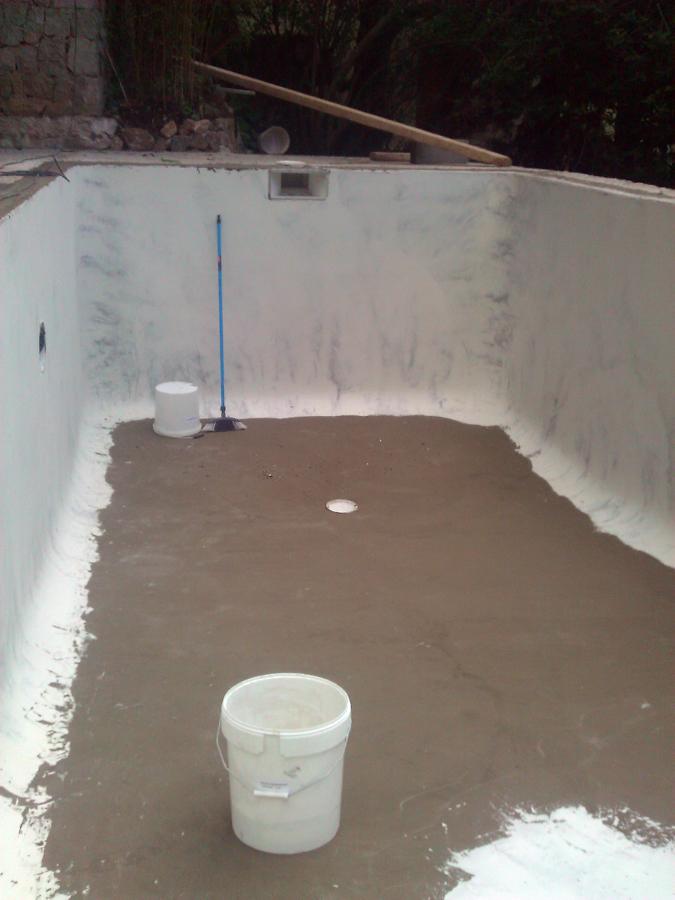 Foto exteriores y piscina antes de aplicar micro cemento - Microcemento piscinas ...