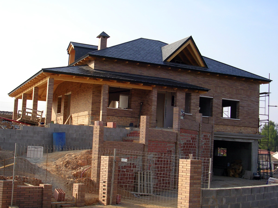 Foto cubierta de pizarra de cubiertas gonz lez s l - Casas de madera laminada ...