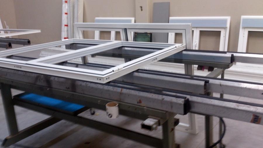 Fabricación carpinteria de aluminio en lacado blanco