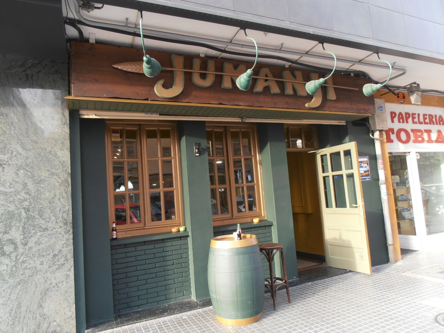 Foto fachada bar de serbau 696469 habitissimo for Bar modelos madera