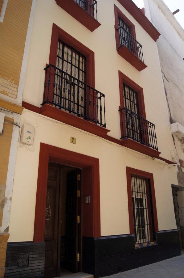 Fachada calle Mensaque