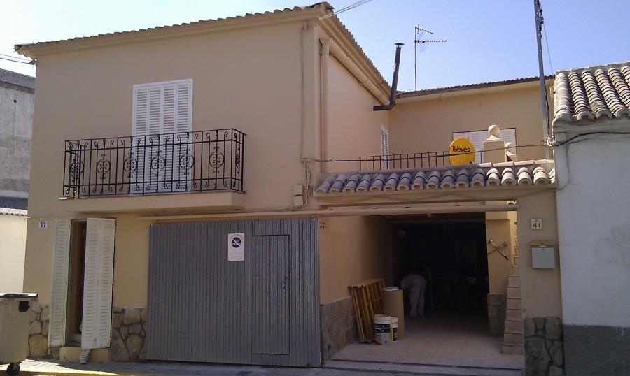 Foto fachada casa pueblo de pintar t decoraci n 513469 for Fachadas de casas de pueblo
