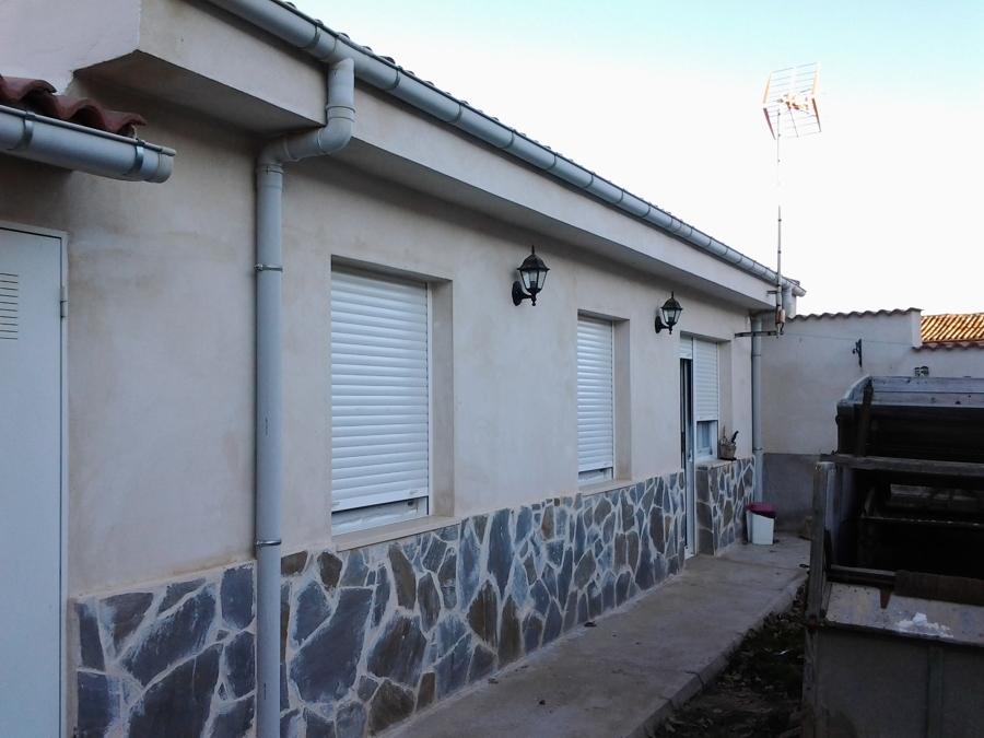 Foto fachada de piedra y cemento blanco de reformas - Cemento blanco precio ...