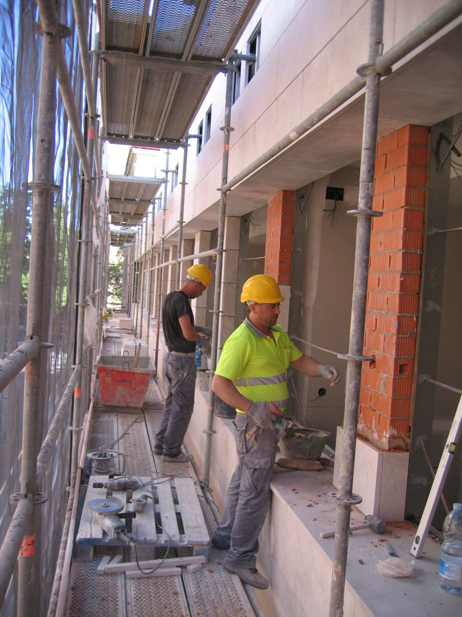 Foto fachada pegada de piedra caliza de campaspero de cananeo 540545 habitissimo - Piedra caliza fachada ...