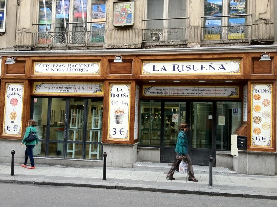 Foto fachada restaurante en madrid la risue a de for Fachada para restaurante