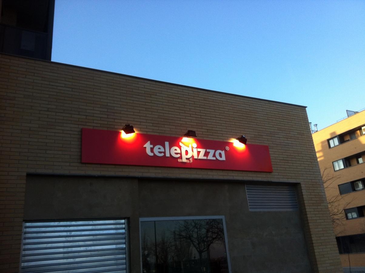 FACHADA TELEPIZZA