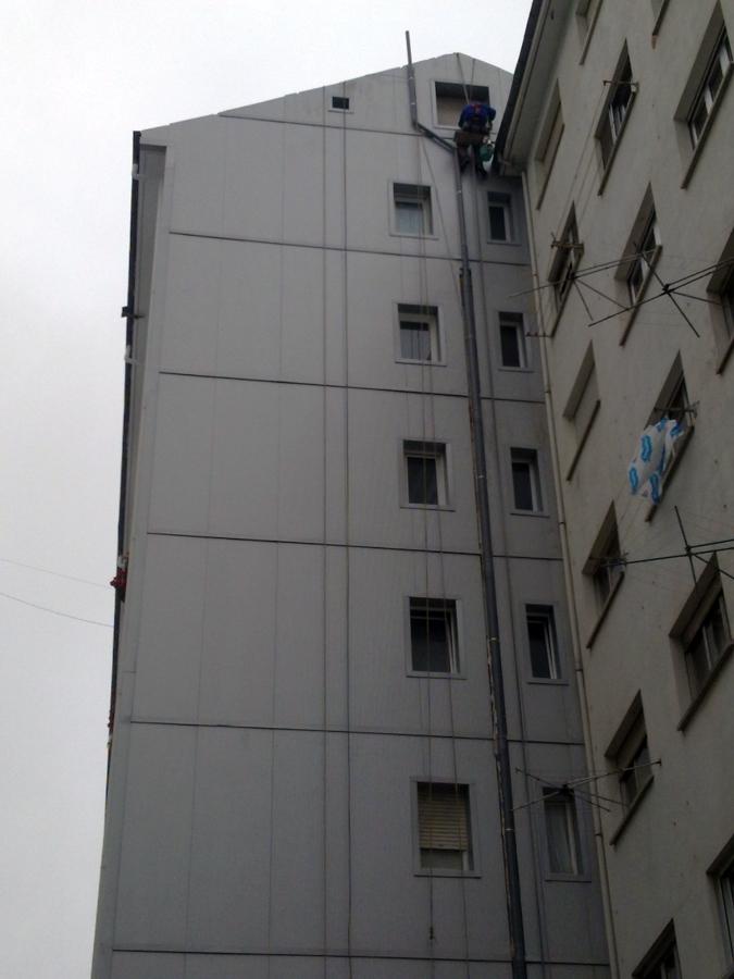 Foto fachada ventilada con chapa sanwich de j p pinturas - Precio fachada ventilada ...