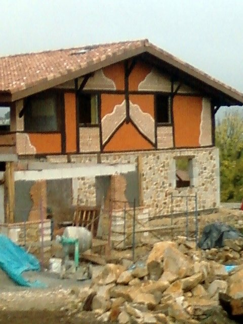 Foto fachadas rusticas piedra madera y raseo de - Fachadas rusticas de piedra ...