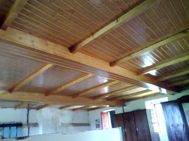 foto falso techo con abeto barnizado de carpinter a juan