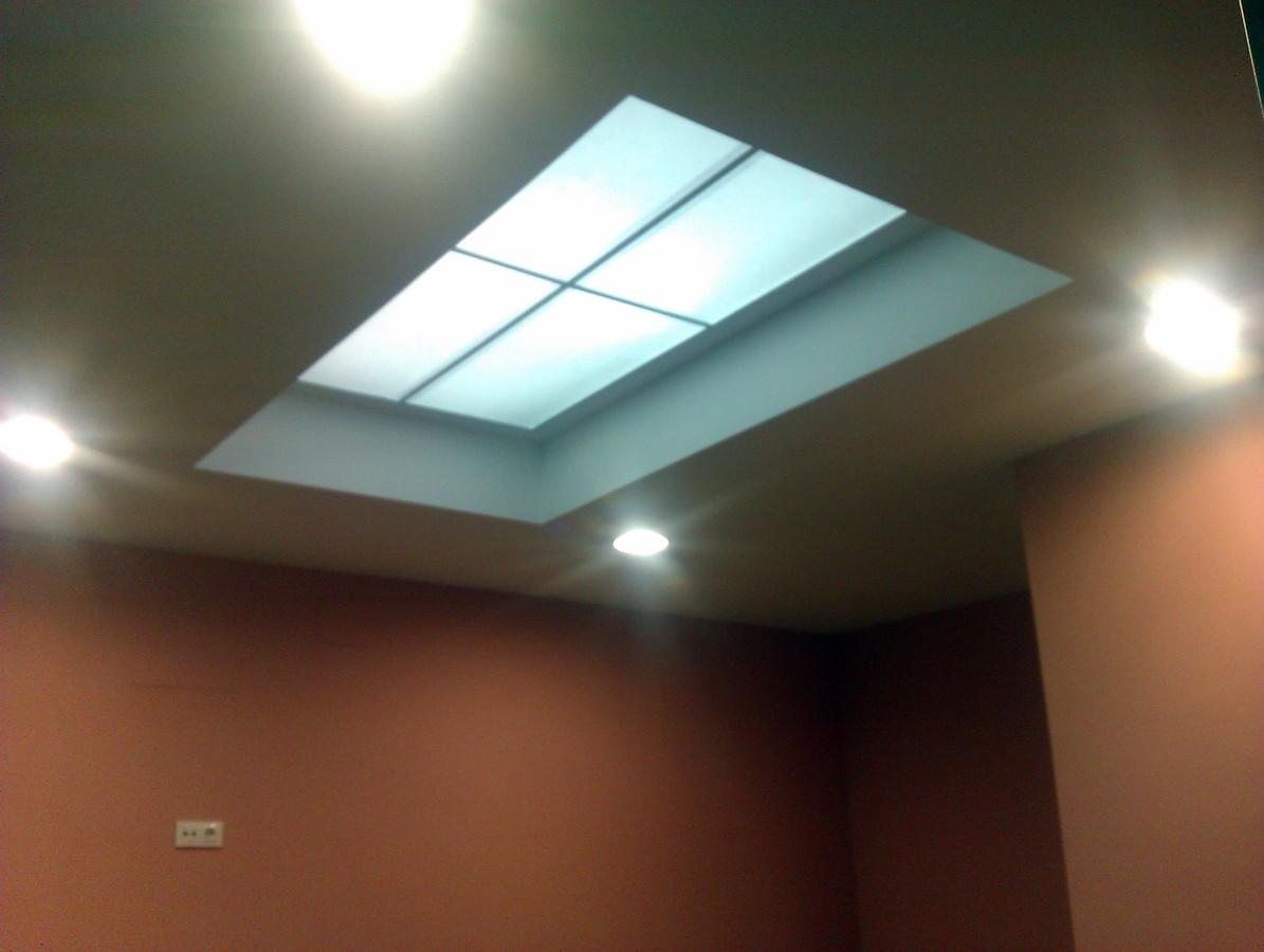 Foto falso techo con iluminacion indirecta de casfer construcciones y reformas sll 194038 - Iluminacion techo ...