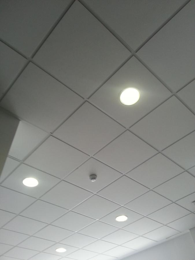 Foto falso techo registrable de soluciones edificaciones - Falso techo registrable ...