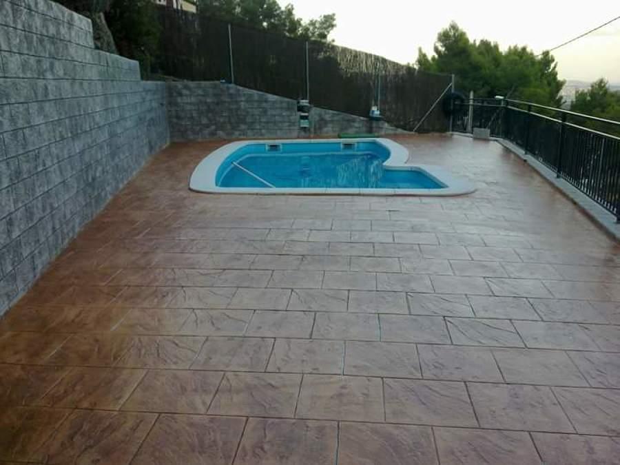 Pavimento con piscina