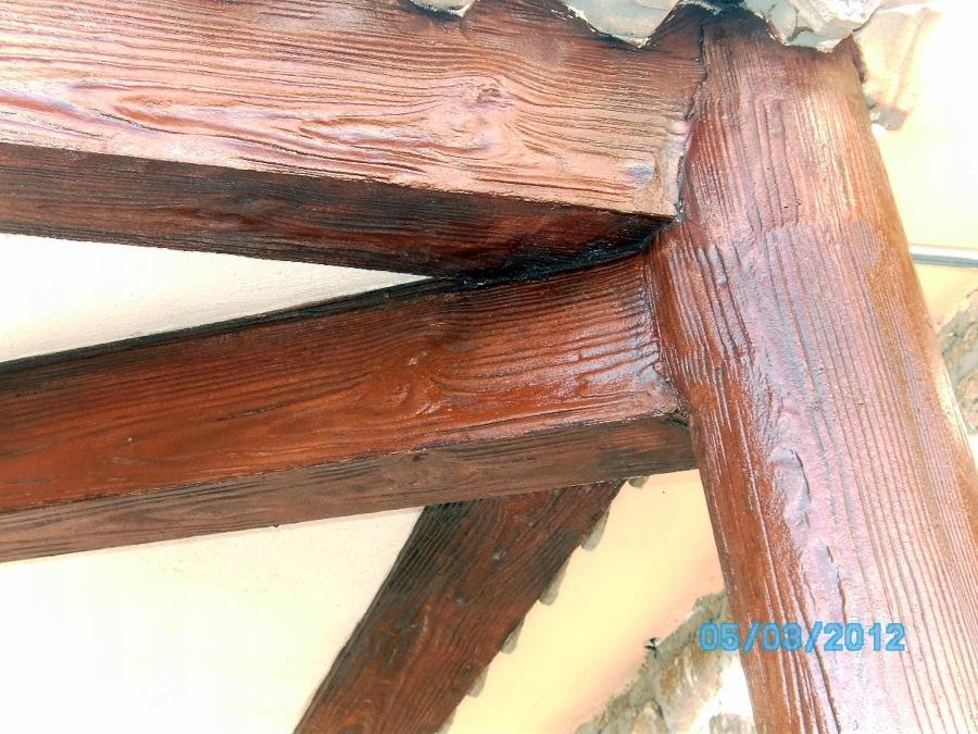 Foto final de imitaci n viga de madera redonda de removi - Vigas redondas de madera ...